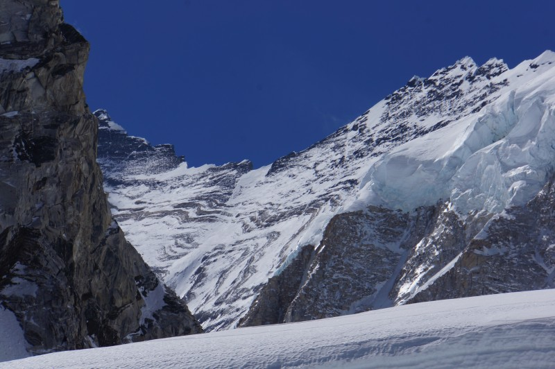 We can start to see the great western cwm above... Lhotse's summit almost in view here. The hanging ice on Nuptse is impressive.