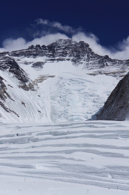 Lhotse, the end of the cwm. C3 should be build halfway up the Lhotse face... sadly, in the end, this did not happen this year.