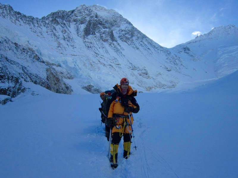Heading down the cwm. Summit behind me, cloaked in white. (Photo: Jangbu Sherpa)