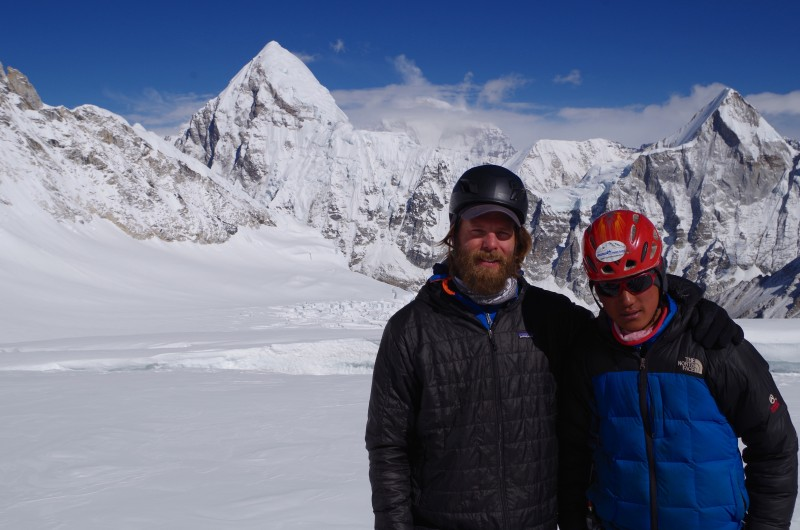 Blake and his great Sherpa Guide. (Photo: Kim Hess)