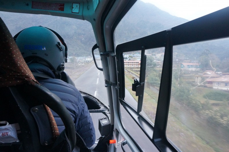 Final approach to Lukla. (Photo: Justin Merle)