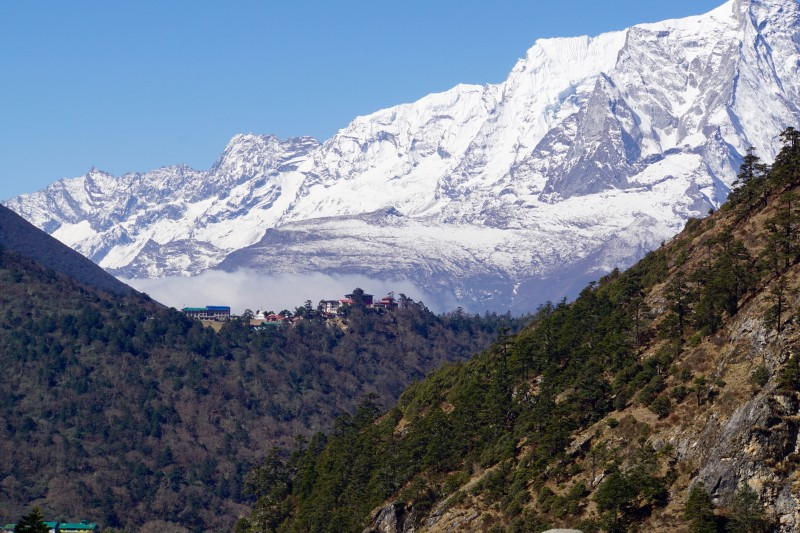 Looking back at Tengboche in the distance as we approach Pangboche.