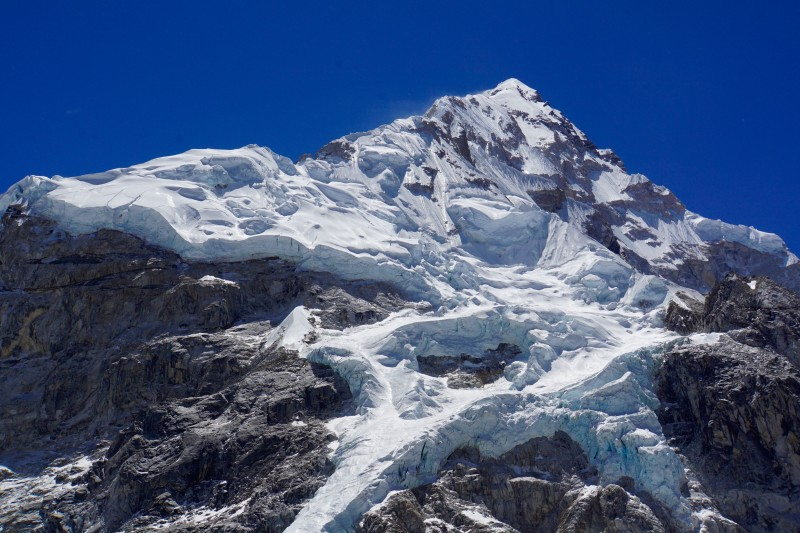 The hanging glaciers of Nuptse, very impressive.