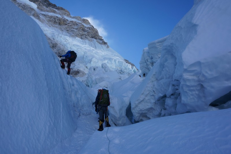 Making progress in the icefall (Photo: Justin Merle)