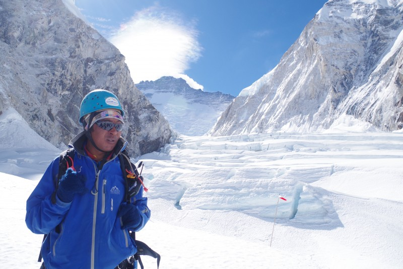 Mingma Sherpa in the Cwm. (Photo: Kim Hess)