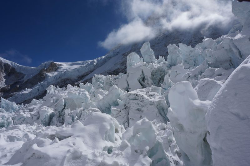 A random section of icefall below the Pit of Despair. (Photo: Justin Merle)