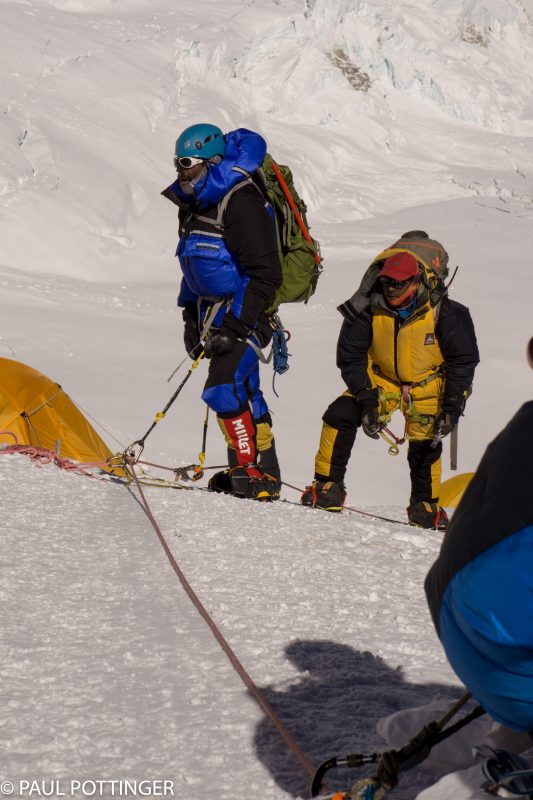 Siva and Pemba Gyaltsen pull into a break at Lower Camp 3.