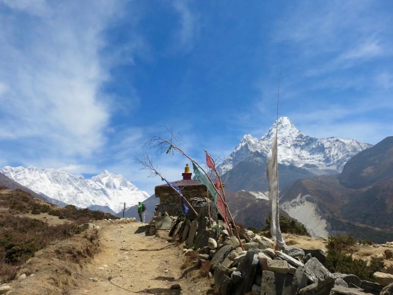 A mani wall on the trail below Ama. (Photo: Teresa Hagerty)
